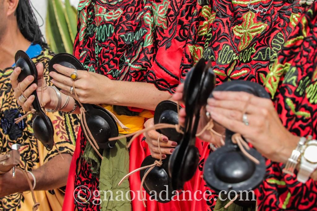 festival gnawa d'essaouira les gnawas d'essaouira gnawa essaouira gnawa festival morocco
