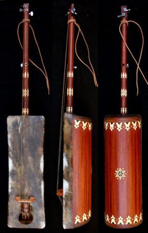 gnaouacuture Moroccan Sintir also called Guembri bass guitar De Marokkaanse basguitar guembri tuning