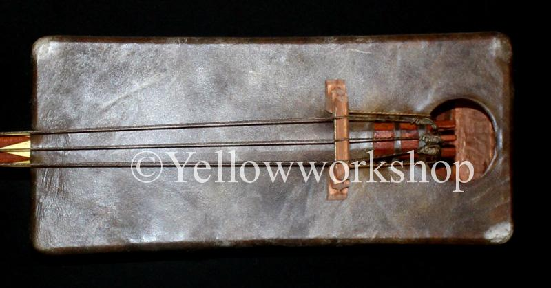 Mâalem gnawa bass guembri sounds traditional musical instrument gnawa´s musical instrument