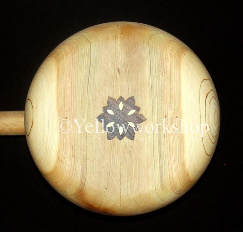 Mâalem gnawa bass guembri sounds traditional musical instrument gnawa´s musical instrument